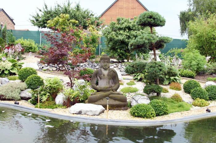 terrasse jardin japonais deco jardin schiste u bordeaux with terrasse jardin japonais. Black Bedroom Furniture Sets. Home Design Ideas