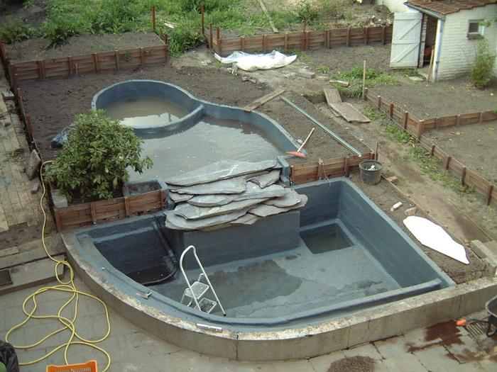 Le jardin aquatique du brainois pose de polyester for Construction bassin aquatique