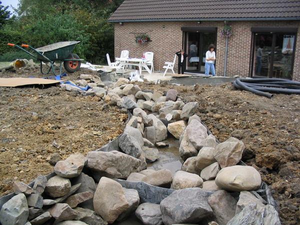 Exemple de construction de bassin yve 4 - Construction etang de jardin ...